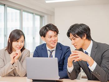 フレッシュな風が社内の雰囲気も換気…新入社員の入社状況を調査