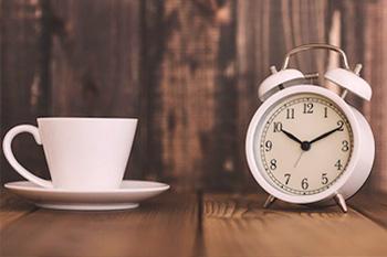 働く女性の睡眠時間をリサーチ!平日どれくらい眠れてる?
